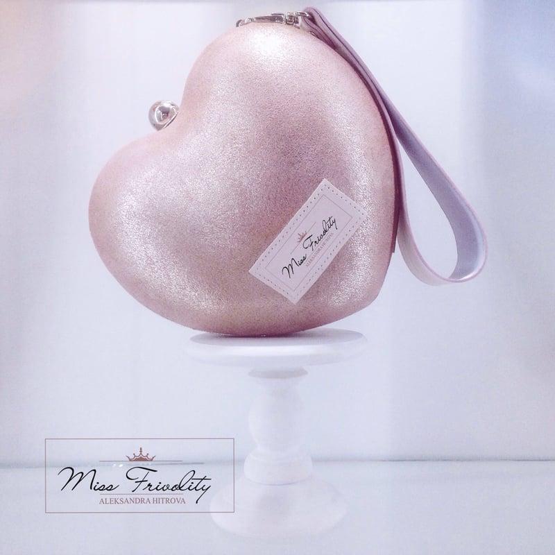 Варианты логотипа для дизайнера сумок(продается) – work in freelancer's portfolio