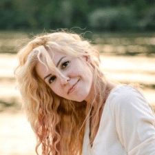 Freelancer Irina M. — Ukraine, Kyiv. Specialization — Copywriting, Social media marketing