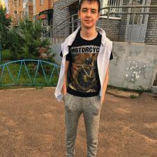 Фрилансер Дима П. — Россия, Казань. Специализация — Логотипы, Английский язык