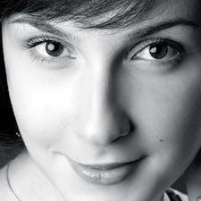 Аліна Б.