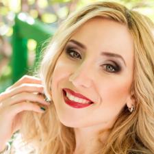 Freelancer Maria R. — Ukraine, Kyiv. Specialization — English, Copywriting