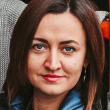 Freelancer Anna B. — Switzerland, Basel. Specialization — Presentation development, English