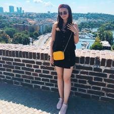 Freelancer Victoria S. — Poland, Warsaw. Specialization — Customer support, Accounting services