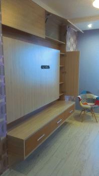 Функциональная мебельная инсталляция для ТВ