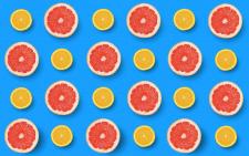 #Дольки #апельсина и грейпфрукта на синем фоне