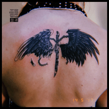 Крылья с мечем тату