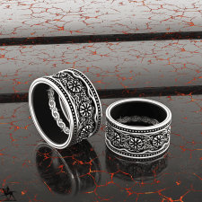 "Set of engagement rings ""Gothic""."