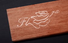 Логотип + вывеска для магазина цветов.