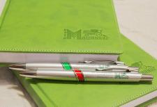 Ежедневник и ручки