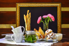 Съемка чая с десертами