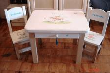 Детский стол с о стульями. Массив ясеня, роспись.