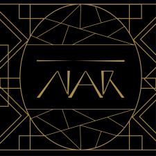 Логотип бренда вина на фирменной подложке