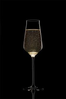 Рекламная съёмка бокалов для шампанского