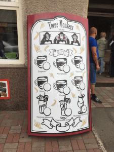 Кофейня Three monkeys