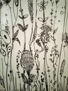 Стінопис в салоні маркених фарб.