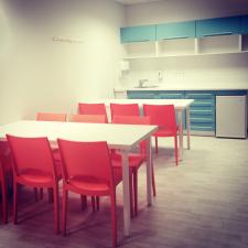 дизайн кухни в офисе