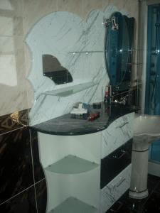 тумбочка в ванную