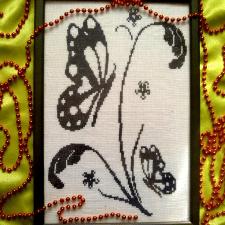 """Монохромная вышивка крестом """"Бабочки"""""""