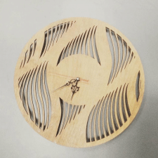 Часы из фанеры по индивидуальному макету под заказ