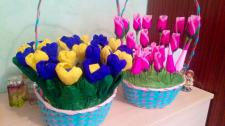 Корзины с цветами из конфет.
