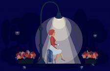 Девушка под фонарем
