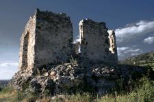 Квасівський, Середнянський і замок «Канків»: кам'я
