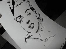 Портрет з паперу