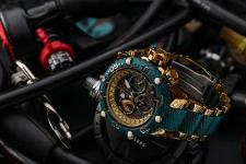 Рекламная съёмка американских часов Invicta.