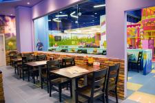 """Дизайн семейного кафе в ТРЦ """"Forum Lviv"""""""