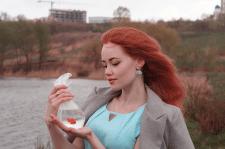 дівчина з золотою рибкою