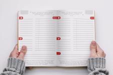 Дизайн разворота внутри ежедневника
