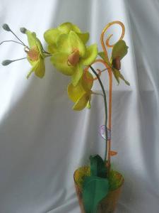 Орхидея Фаленопсис из фома на 1 ветку салатово-жел