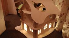 ЧПУ резка игрушечного домика из фанеры