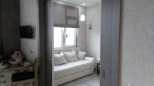 Трансформ. пространство - вид с кухни в гостиную