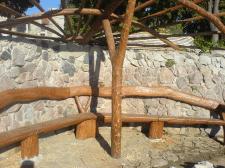 Пергола со скамьей и столиком