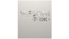 Missoni-Studio. Логотип на стене офиса