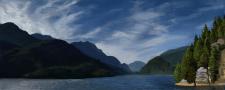 Горный пейзаж с озером и перистыми облаками
