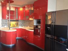 Інтерєр червоної кухні