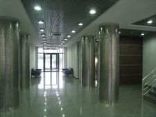 Интерьер вестибюля админ здания