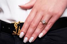 Ретушь ногтей, ювелирных изделий и рук