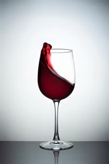 Рекламная съёмка бокалов для вина