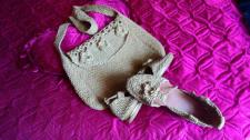 Вязанный комплект: босоножки с сумкой