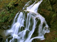 Які гірські водоспади найгостинніші влітку?