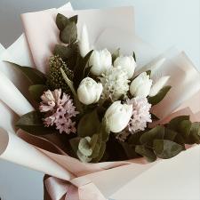 Фото квітів для сторінки інстаграм.