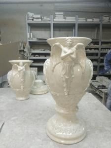 Роспись вазы. Керамика.
